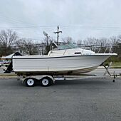 1999 Bayliner Trophy - Hull & Trailer