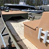 Lowe 19' Center Console - Hull Only
